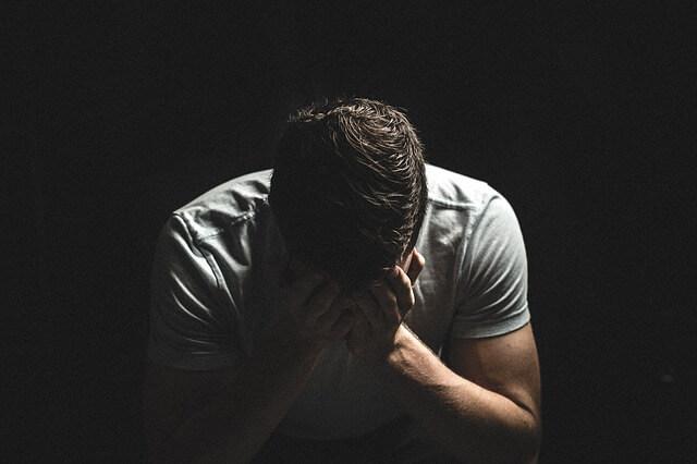 דיכאון, עצבות