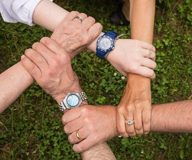 ידיים, חברות, שיפור ביטחון עצמי, אנשים מבוגרים