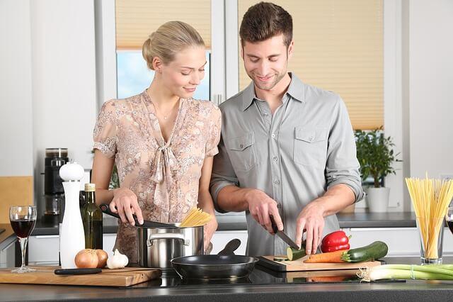זוג מבשלים, מטבח
