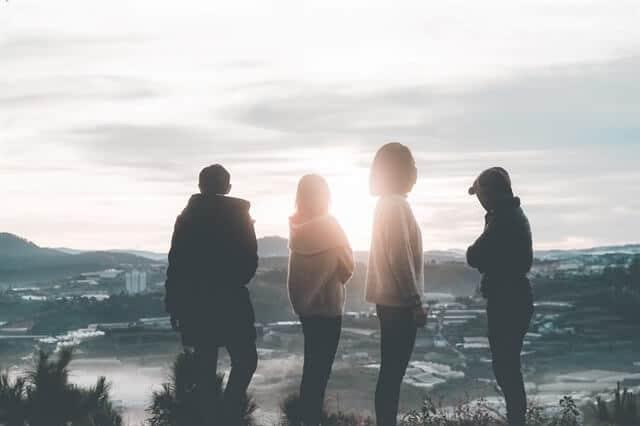 ביטחון חברתי - מבוגרים, שמחה, נוף