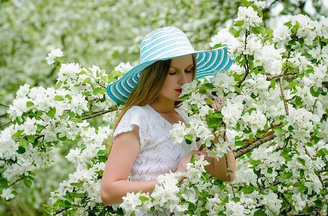 אישה, פרחים, שחרור