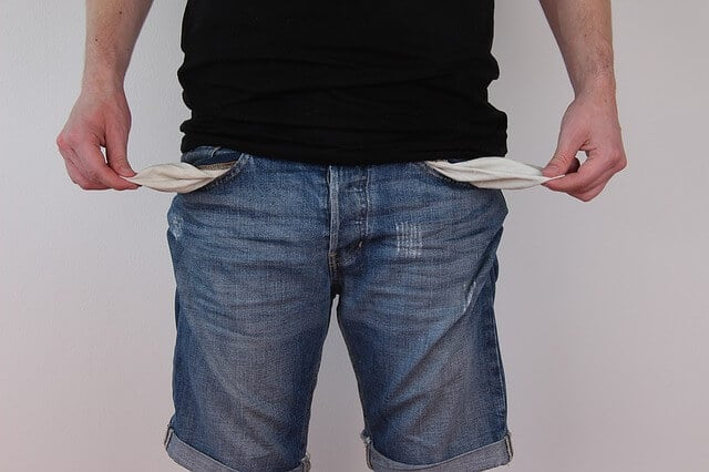 אין כסף, כיסים ריקים