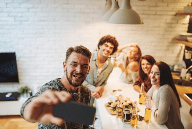 אנשים מאושרים, עבודה, תמונה