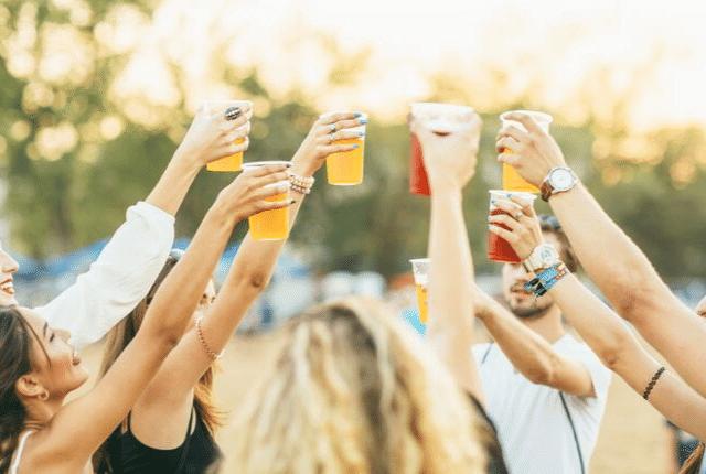 """שחרור לחצים ע""""י טיפול בחרדות חברתיות, מסיבה, שתייה"""