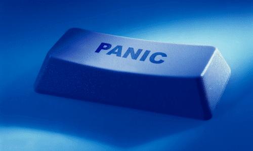 כפתור כחול עם כיתוב פאניקה