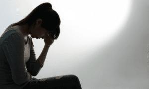 דיכאון רגשי, בכי, שקט וחושך